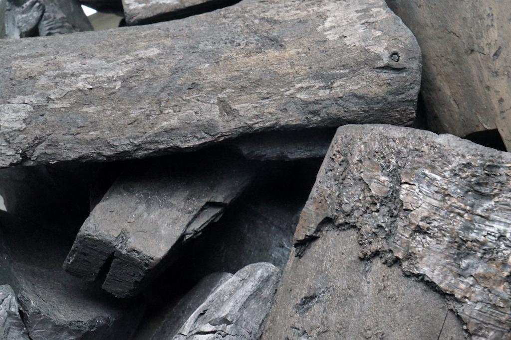 Holzkohle-Mischung aus Birke und Eiche