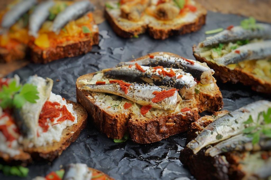 Mit Sardinen können kleine, aber feine Mahlzeiten bereitet werden