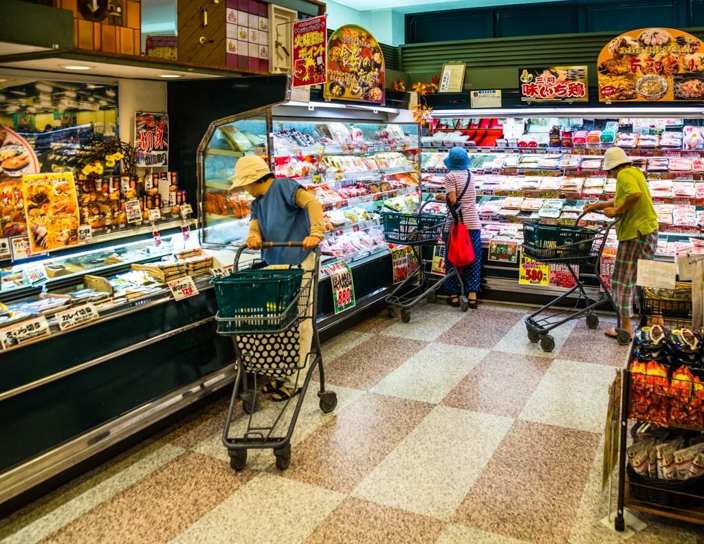 Bentos in Hülle und Fülle gibt es heute in jedem Supermarkt und auch in den kleinen rund um die Uhr geöffneten Konbinis / © FrontRowSociety.net, Foto: Georg Berg