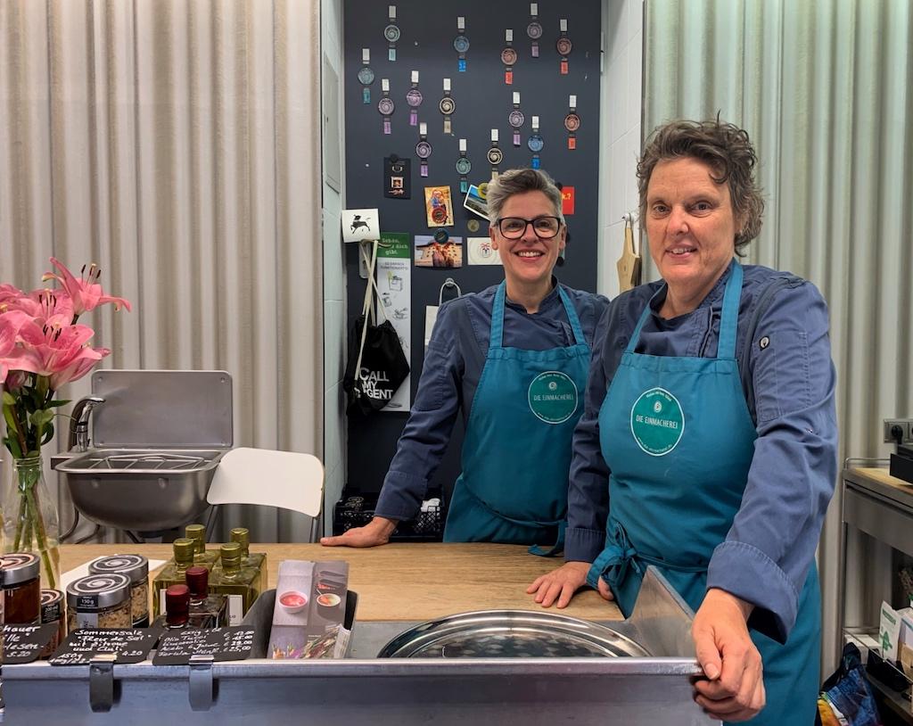 Zwei Küchenmeisterinnen mit feinem Geschmack: Moni Schuster (li) und Anka Köhler