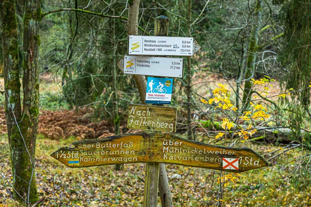 Märchenhafte Kulisse entlang der Waldnaab. Einer der schönsten Abschnitte im Waldnaabtal beginnt in Falkenberg / © FrontRowSociety.net, Foto: Georg Berg