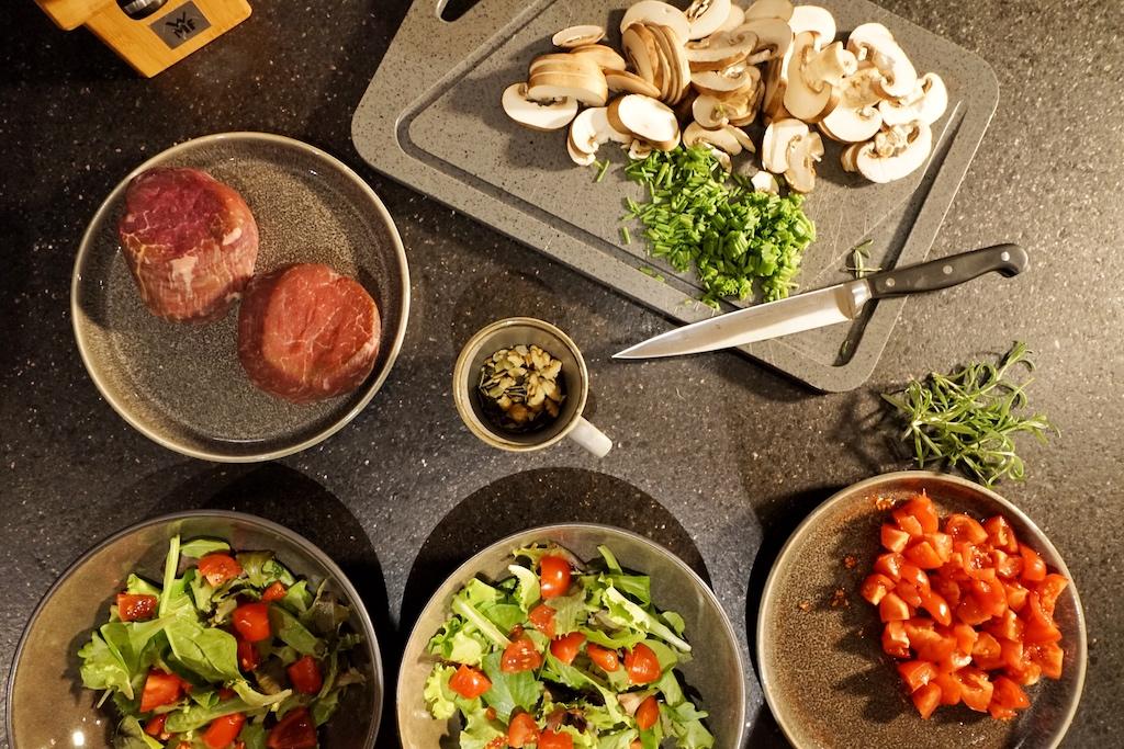 ...können nahezu alle Gerichte professionell zubereitet werden...