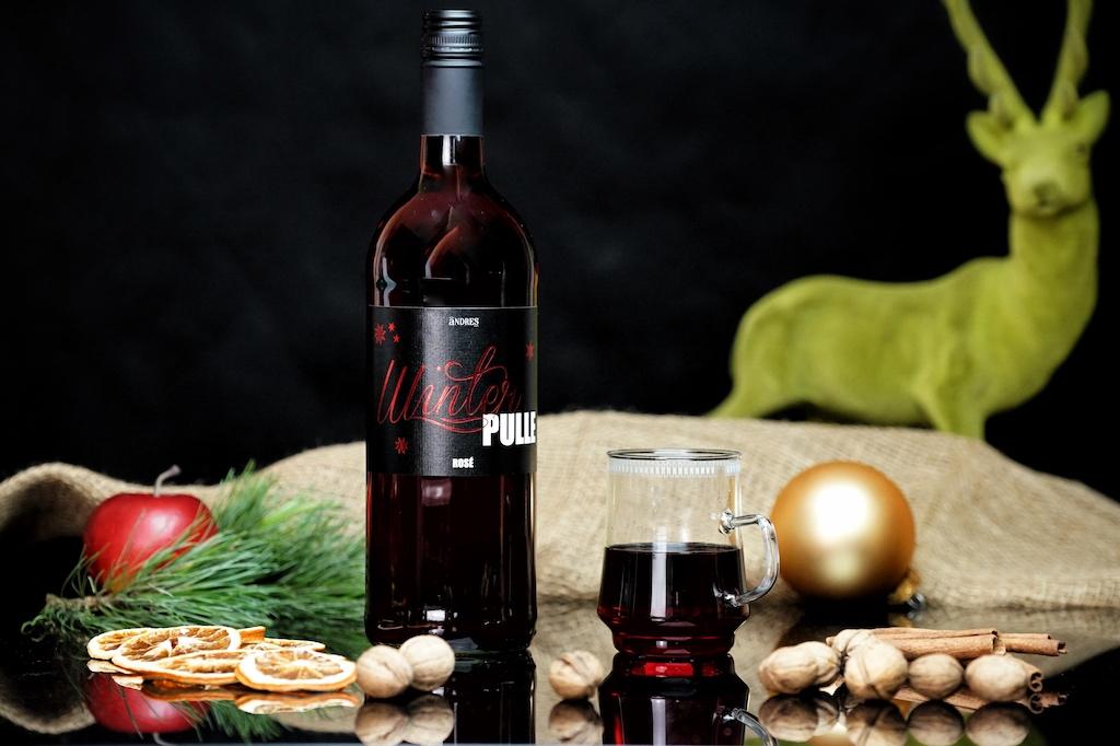 Glühwein Winterpulle rosé- ein Rosé ist eigentlich ein leichter Sommerwein, aber auch als Glühwein macht er sich gut