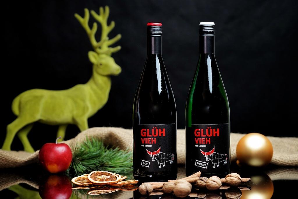 Die Glühvieh-Familie vom Weingut Metzger, roter und weißer Glühwein