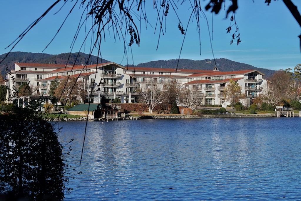 Das Althoff Seehotel Überfahrt ist ruhig gelegen, direkt am Tegernsee