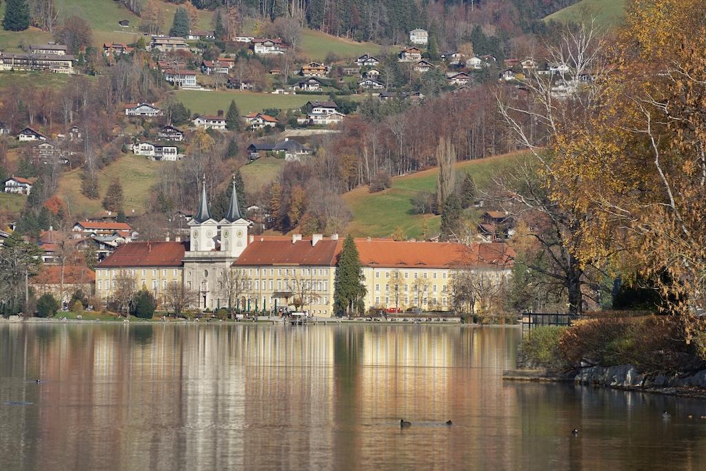 Gefragt ist das Herzogliches Schloss Tegernsee bei Besuchern. Kulinarisch wird hier einiges geboten