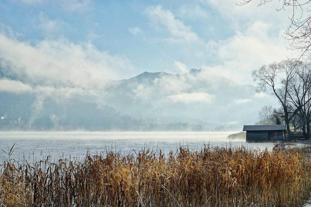Zu jeder Jahreszeit traumhaft schön: Als einigen der wenigen Gewässern, gehört der Tegernsee dem Land Bayern