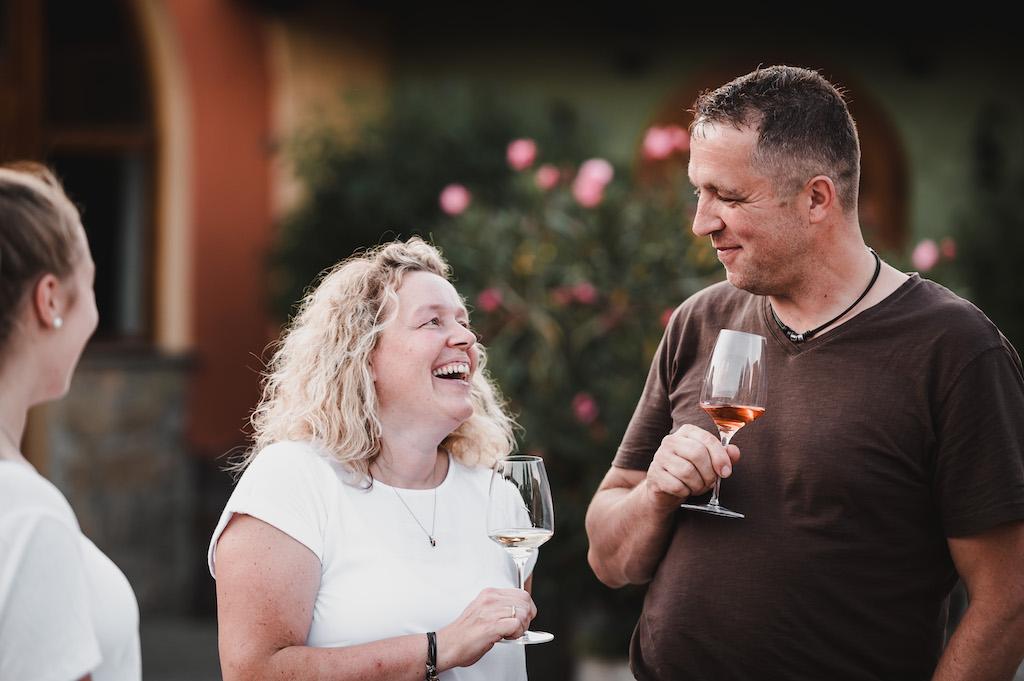 Anja und Frank vom Weingut Schmitt - sie starteten vor 16 Jahren mit ihrem ersten Glühwein