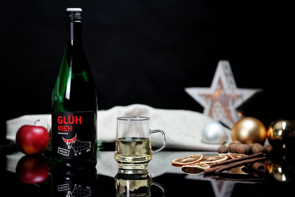 Glühvieh weiß: Die ideale Trinktemperatur wird seitens des Weinguts mit 73 Grad Celsius angegeben