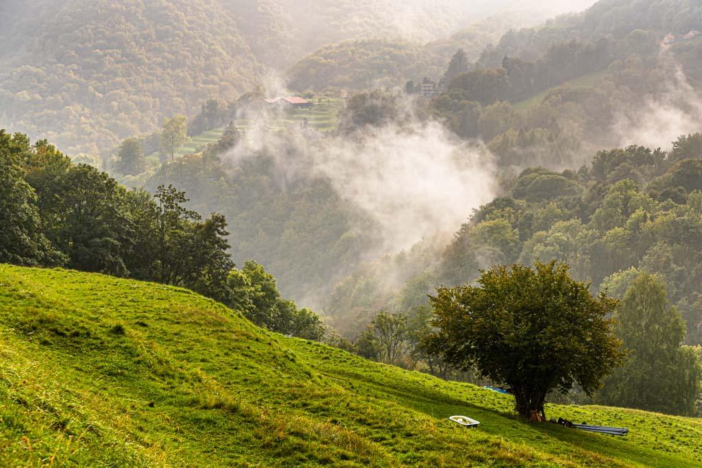 """Jahrhunderte alte Kulturlandschaft: Das Valle di Muggio hat viele Namen: """"Toskana der Schweiz"""", """"Landschaft des Jahres 2014"""", """"südlichstes Tal im Tessin"""" / © FrontRowSociety.net, Foto: Georg Berg"""