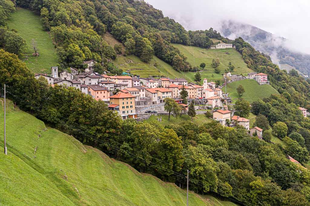 Im Dorf Scudellate leben noch 20 Menschen. Das würde auf Dauer nicht reichen, um den Ort im Valle di Muggio zu erhalten / © FrontRowSociety.net, Foto: Georg Berg