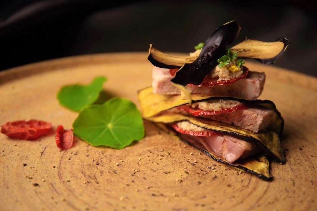 Kyoto-Aubergine, Tomate und Pate de Campagne Millefeuille