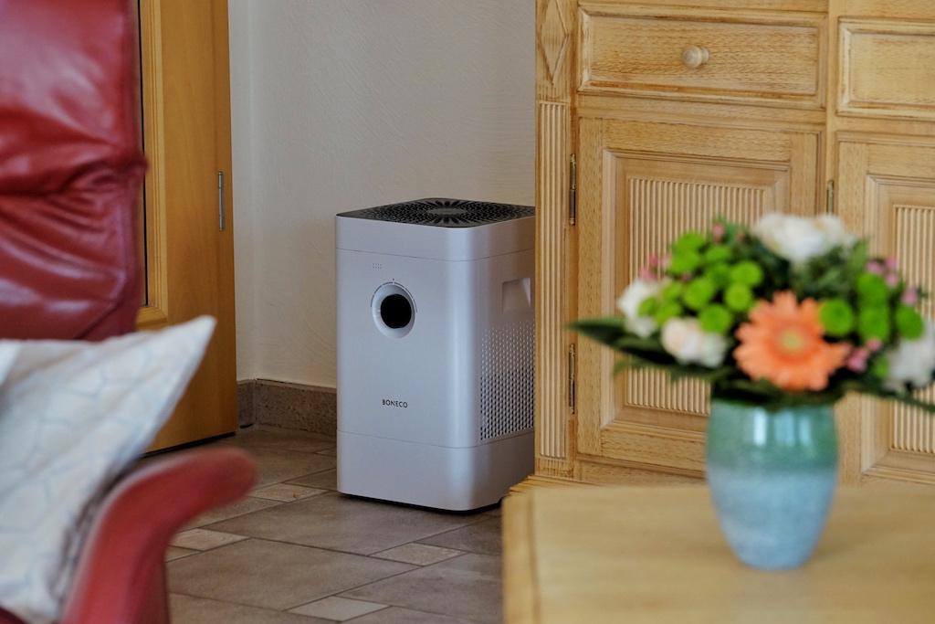 Der hybride Luftbefeuchter & Luftreiniger H300 von BONECO findet in jedem Raum seinen Platz
