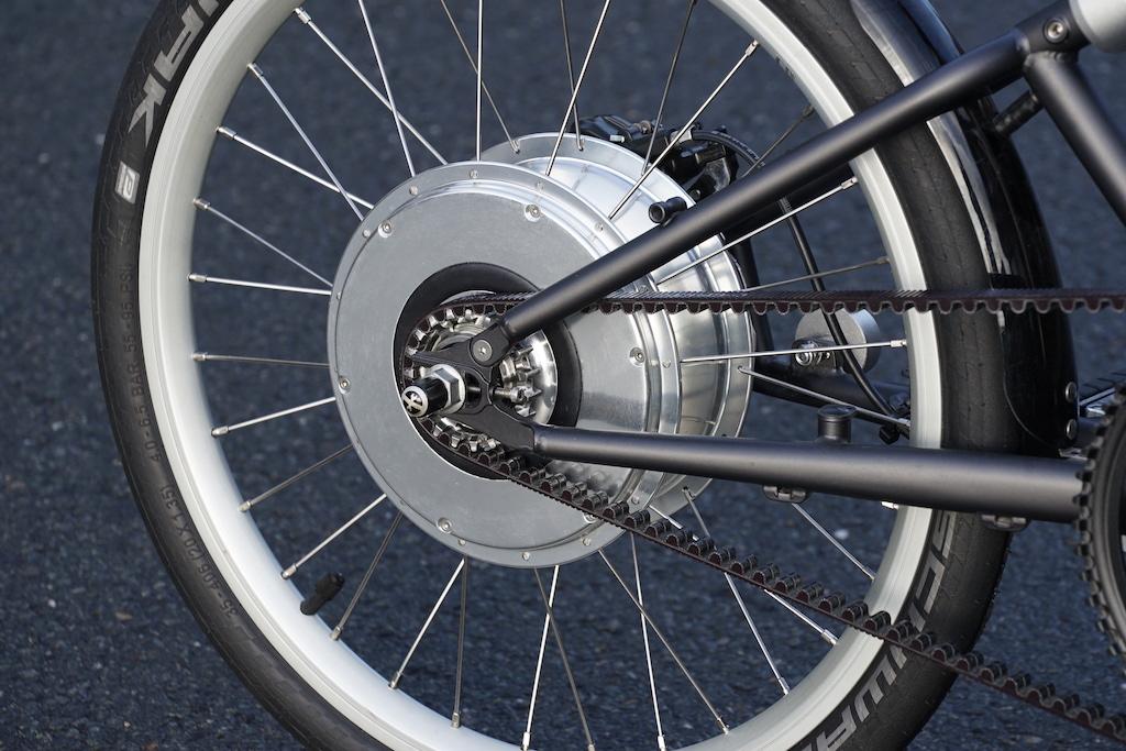Im Hinterrad ist alles vereint: Motor, Akku und die gesamte Bluetooth Technik