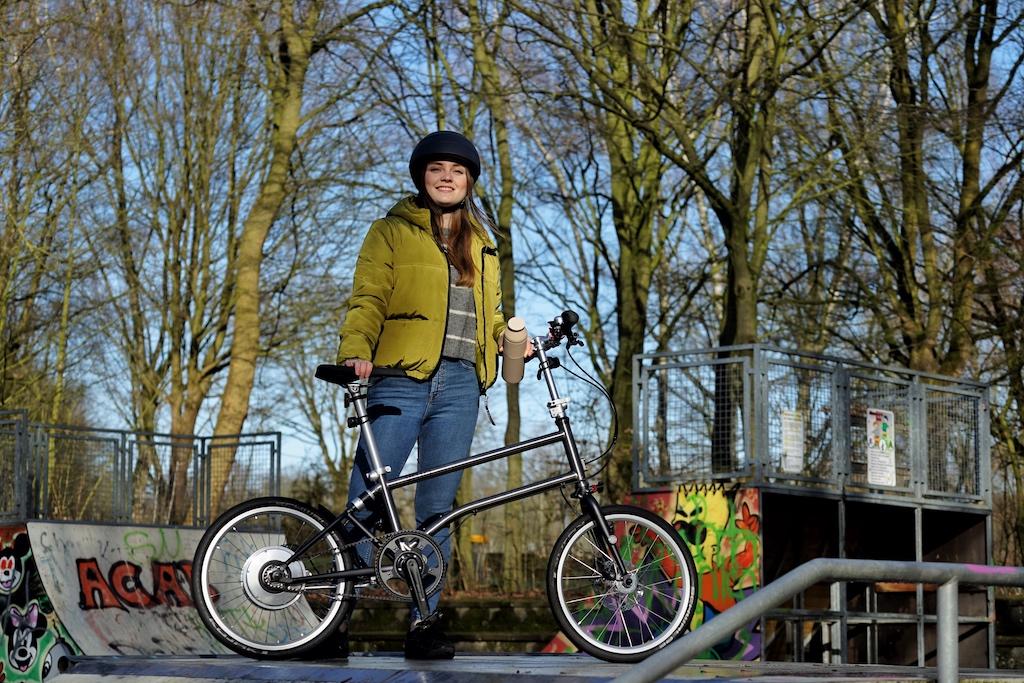 ... nun sind 10 Jahre vergangen und die neueste Generation des kleinsten faltbaren E-Bikes der Welt rollt über unsere Straßen