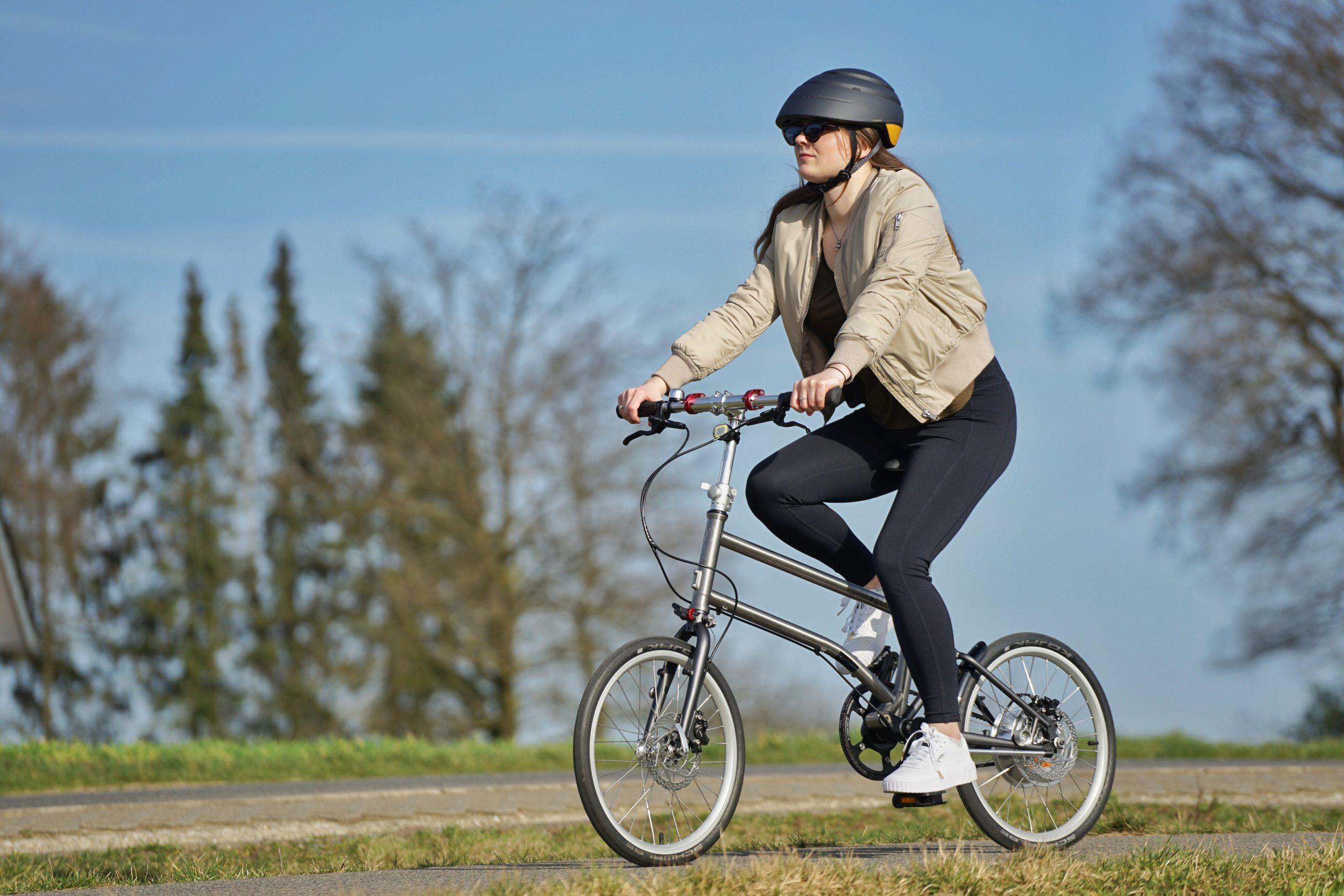 Vor 10 Jahren hatte VELLO Gründer Valentin Vodev noch den Gedankengang im Kopf, wie er auf einer längeren Urlaubsreise ein Fahrrad...