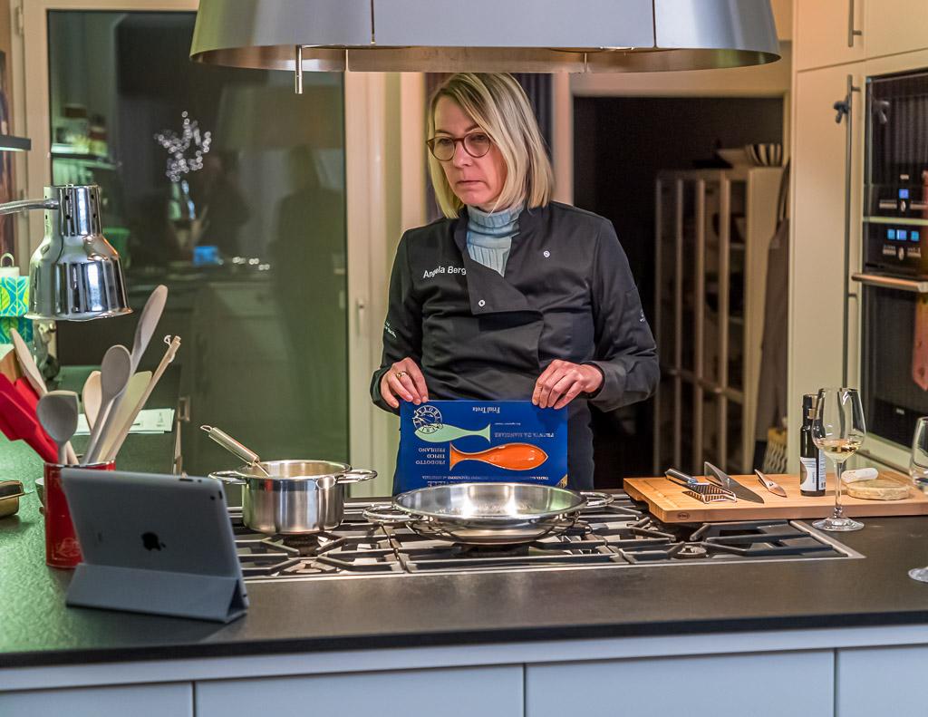Alles steht bereit - auch die Leitung nach Trieste für eine Cooking Masterclass mit 2-Sternekoch Matteo Metullio / © FrontRowSociety.net, Foto: Georg Berg