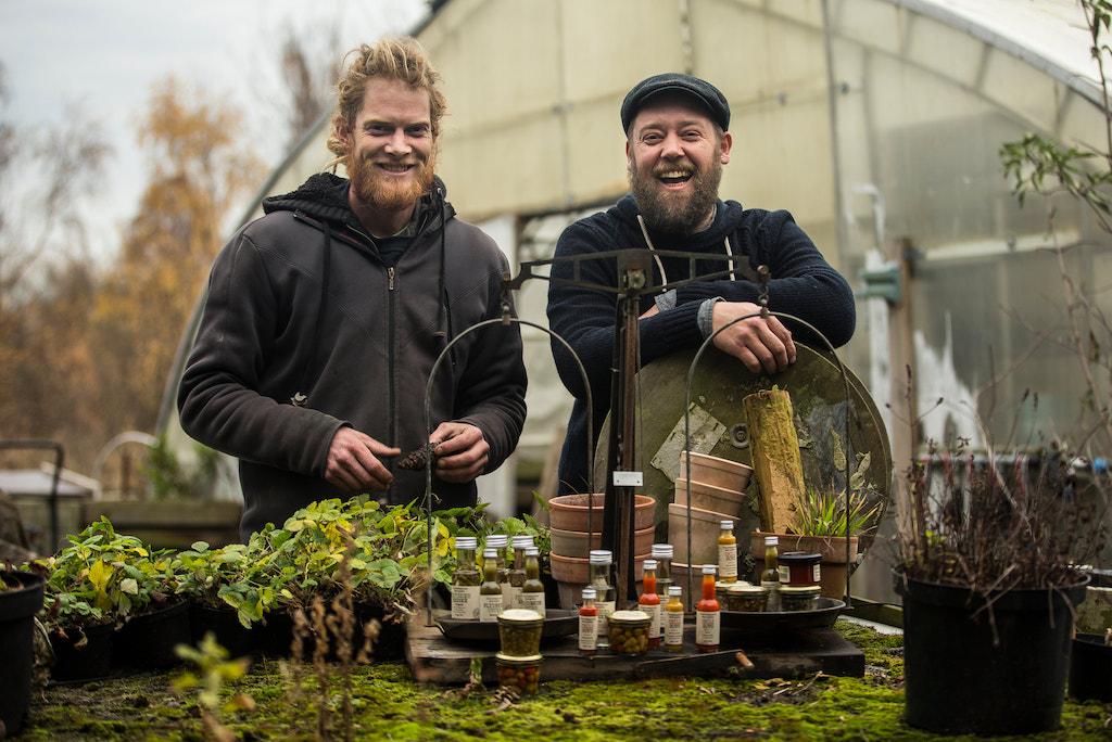 """Für die Gründer der """"Flüssigen Kräuter"""" Michael Lysgaard und Troels Pilemand kommt nur Bio in Frage"""