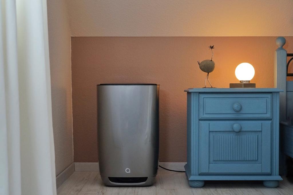 Zuhause angekommen,... bis ins Schlafzimmer sorgt Luftreiner aair Medical Pro für reine Luft