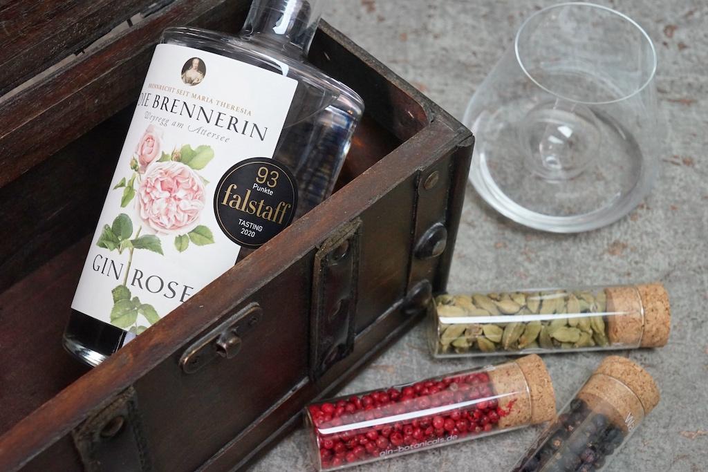 Der Gin Rose wartet mit feinen Zitrusnoten auf