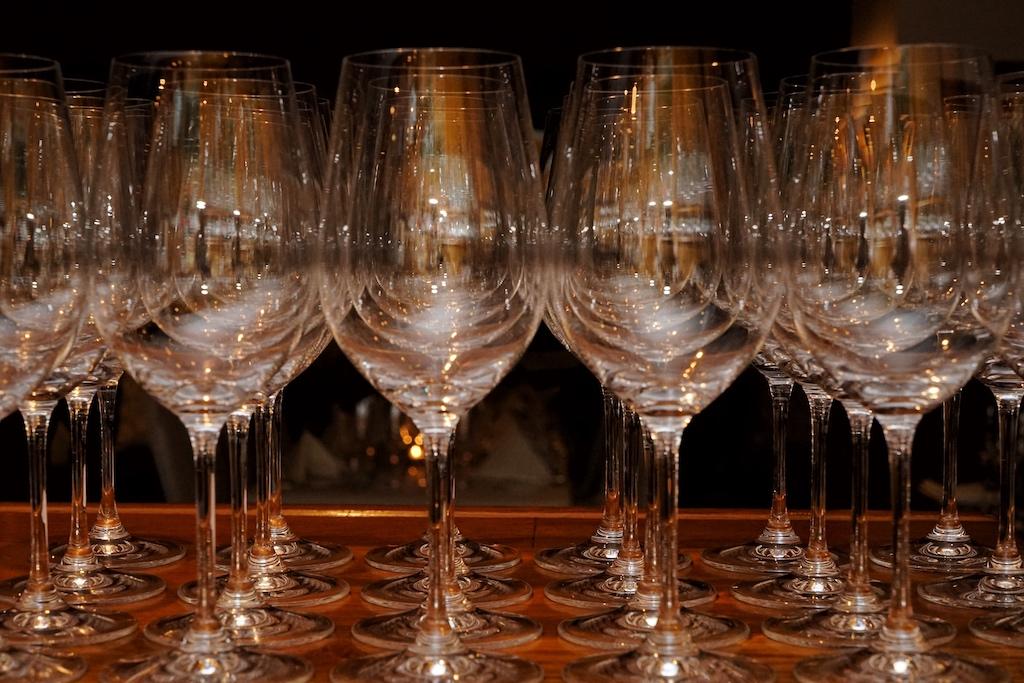 Die Gläser wurden gefüllt und ein Orange Wine nach dem anderen verkostet