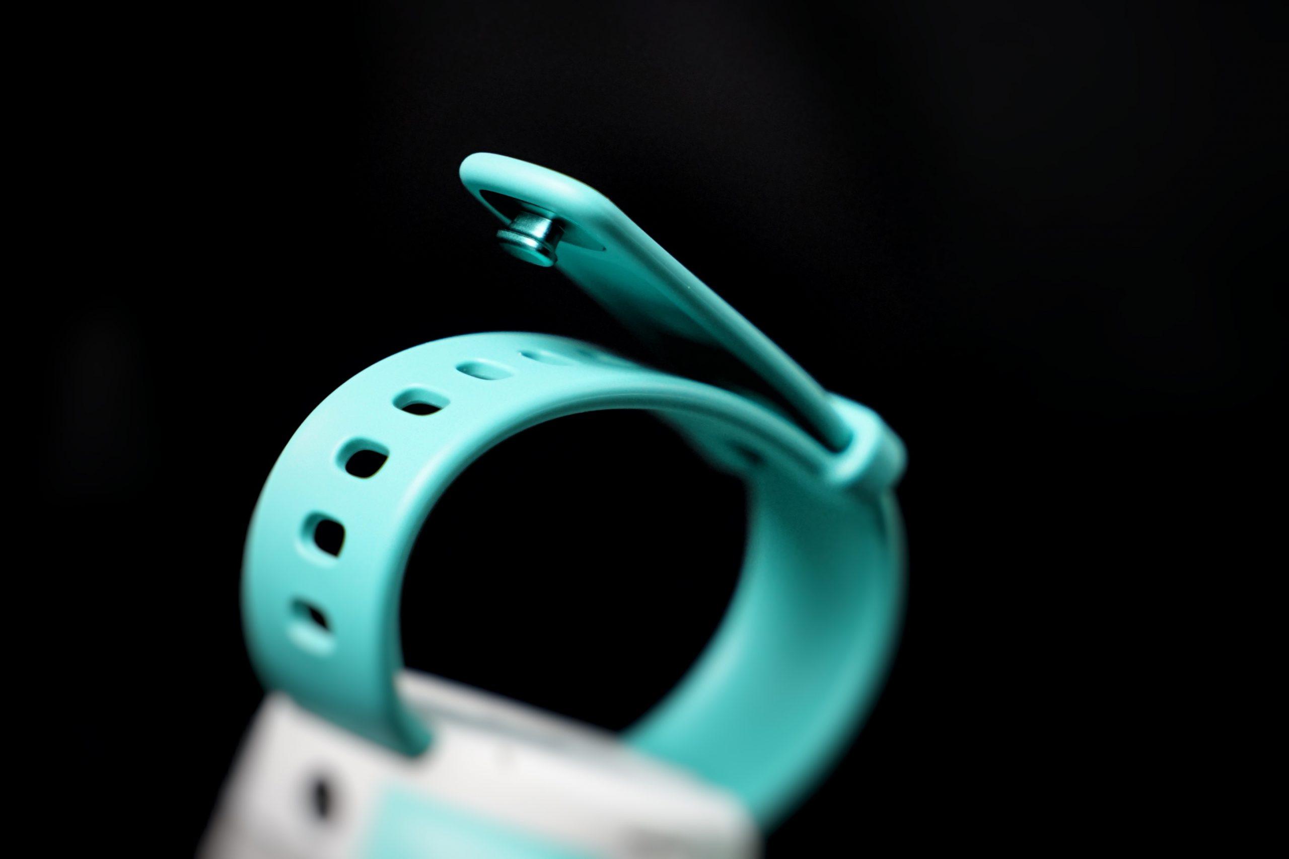 Sicherer Verschluss. Auch wenn sich das Armband einmal öffnet, die Smartwatch rutscht nicht vom Handgelenk