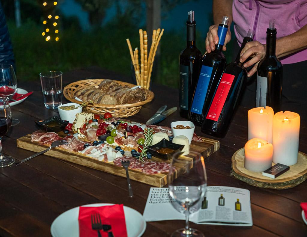 Eine Platte voller Tessiner Köstlichkeiten gepaart mit einer Weinverkostung / © FrontRowSociety.net, Foto: Georg Berg / © FrontRowSociety.net, Foto: Georg Berg