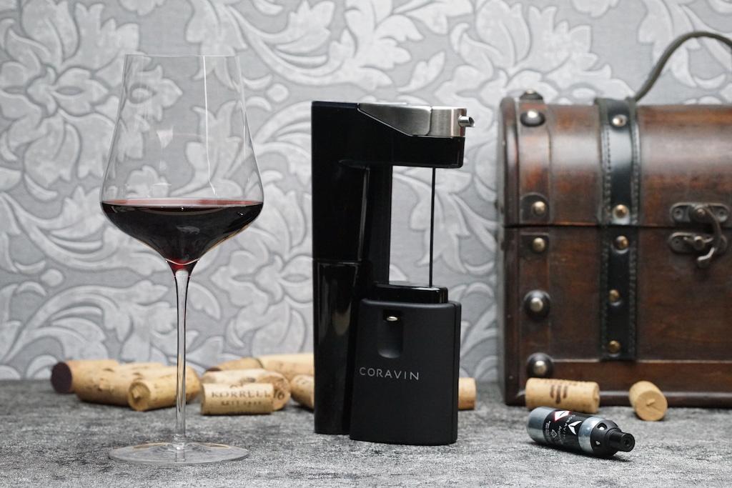 Das Coravin Weinsystem - hier das Model Eleven - sichert nachhaltigen Weingenuss ohne die Flasche zu entkorken