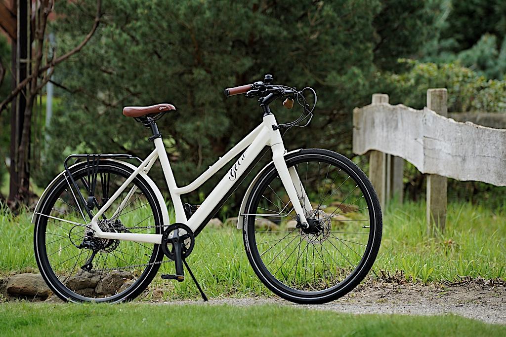 ... und mit herausnehmbarem Power-Akku daher - zwei erstklassige E-Bikes die ihresgleichen suchen