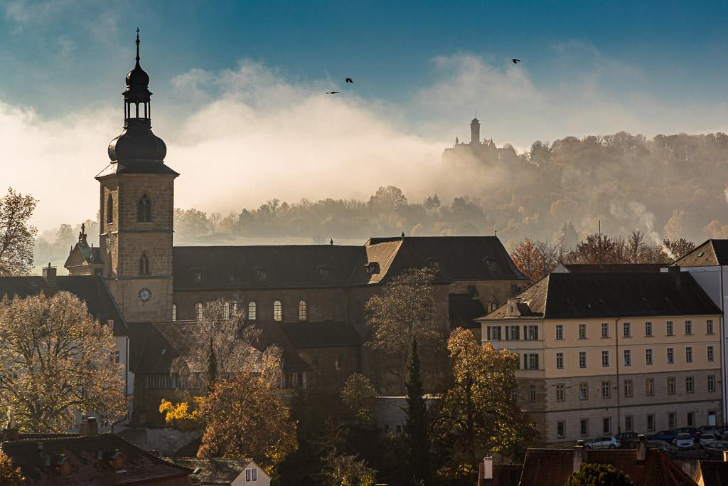 Die Altenburg mit ihrem markanten Turm steht auf einem Bergkegel am Rande der Steigerwaldhöhe. Die Burg war von 1305 bis 1553 Residenz der Bamberger Fürstbischöfe / © FrontRowSociety.net, Foto: Georg Berg