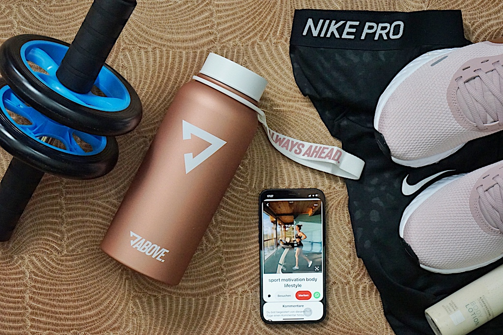 Auch vor der sportlichen Betätigung sollte schon genügend Flüssigkeit aufgenommen werden