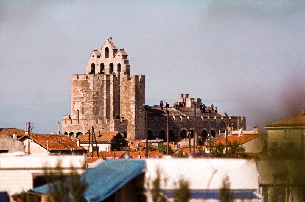 Das Dach der Kirche Notre Dame des Saintes Maries steht Besuchern offen / © FrontRowSociety.net, Foto: Georg Berg