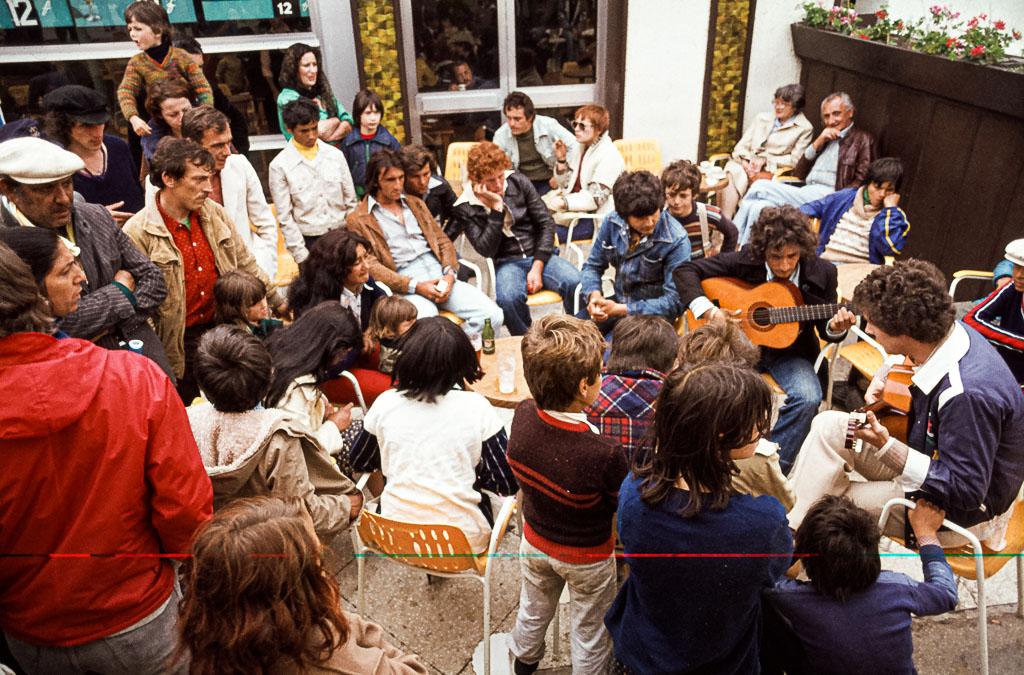 Die Musik als gemeinsames Kulturgut verbindet die Generationen und lässt Erinnerungen wach werden / © FrontRowSociety.net, Foto: Georg Berg