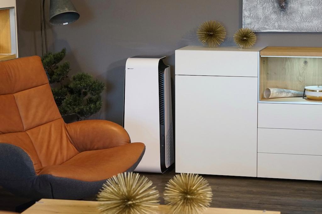 Gemütlich zurücklehnen und saubere Luft atmen - qualitative Luftreiniger machen es möglich