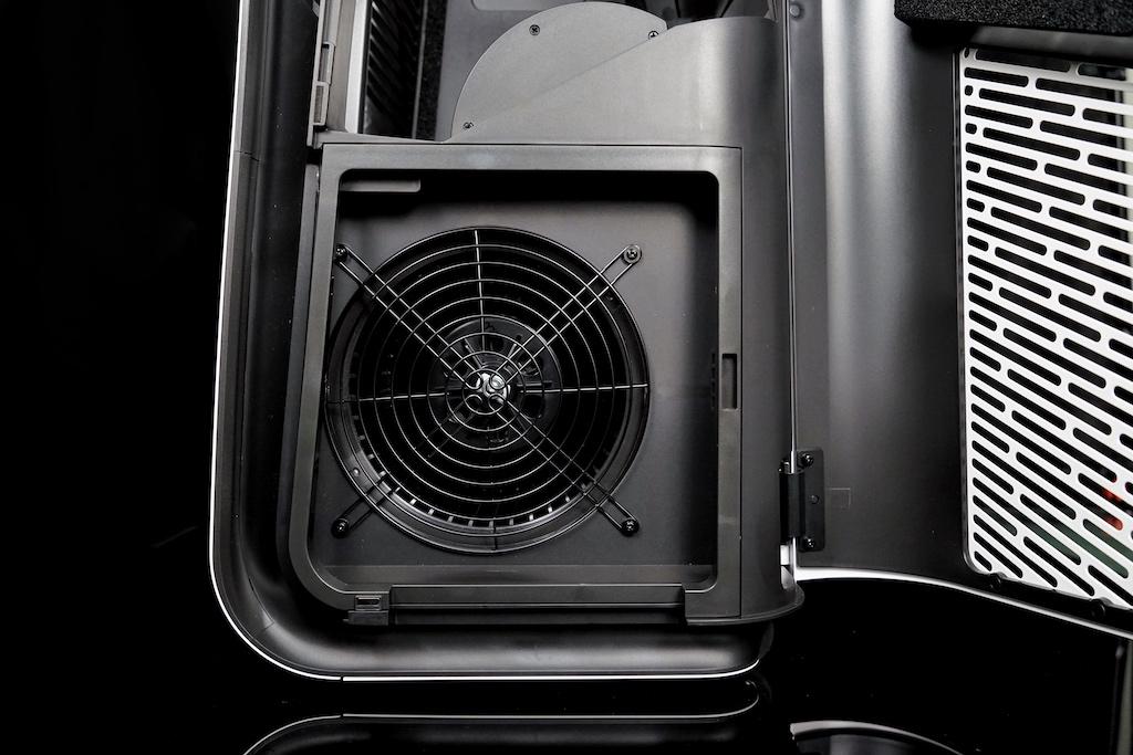 Im aufgeklappten Zustand: Luftreiniger mit einer hohen Leistung - bis zu 62 Quadratmeter große Räumlichkeiten befreit der Blueair HealthProtect 7770i von Schadstoffen
