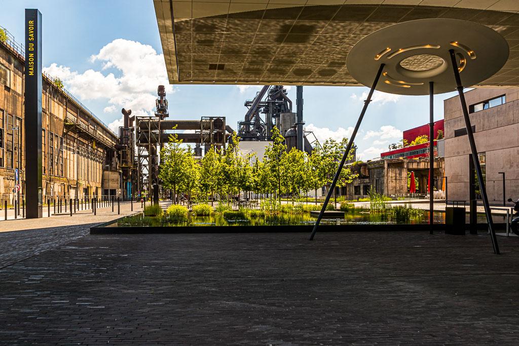 Für Architekturbegeisterte lohnt sich ein Besuch des Campus Belvalt. Hier fügen sich alte Industriekultur und eine moderne Universität fanszinierend zusammen / © FrontRowSociety.net, Foto: Georg Berg