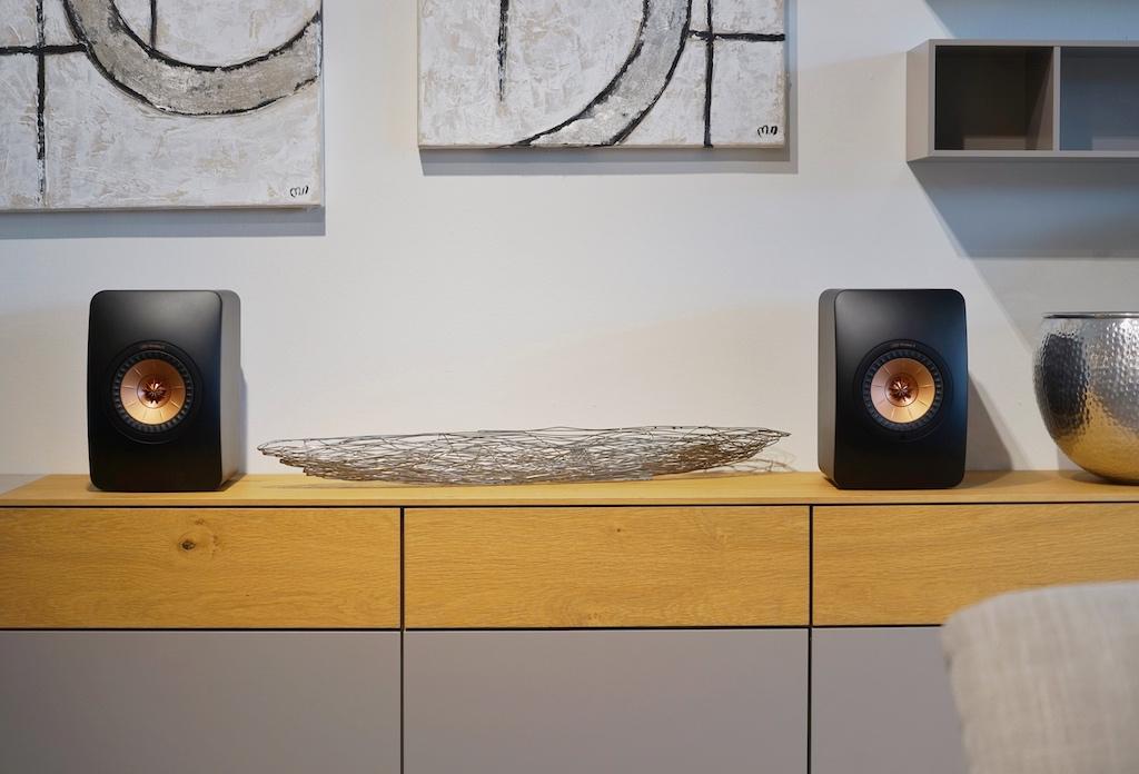 ... die High End Speaker sind ein auch ein optisches Highlight...