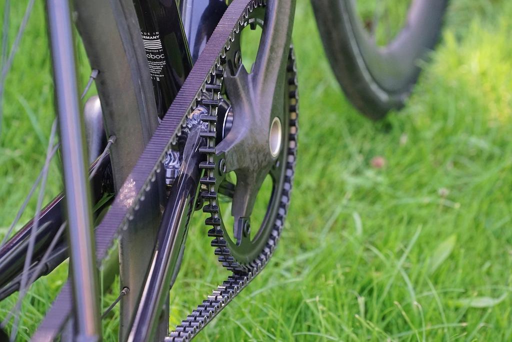 Die Unterstützung setzt ein, wenn der Biker in die Pedale tritt - über den Zahnriemen erfolgt die Kraftübertragung
