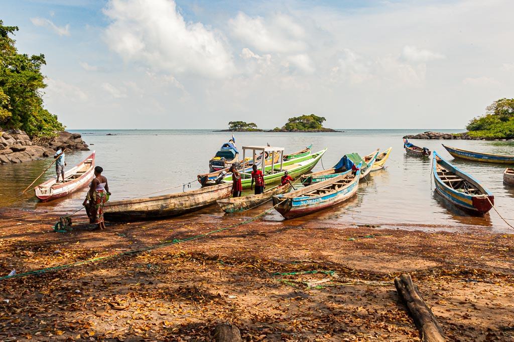 Von diesem natürlichen Hafen wurden früher von Banana Island aus Tausende von Sklaven nach Amerika deportiert / © FrontRowSociety.net, Foto: Georg Berg