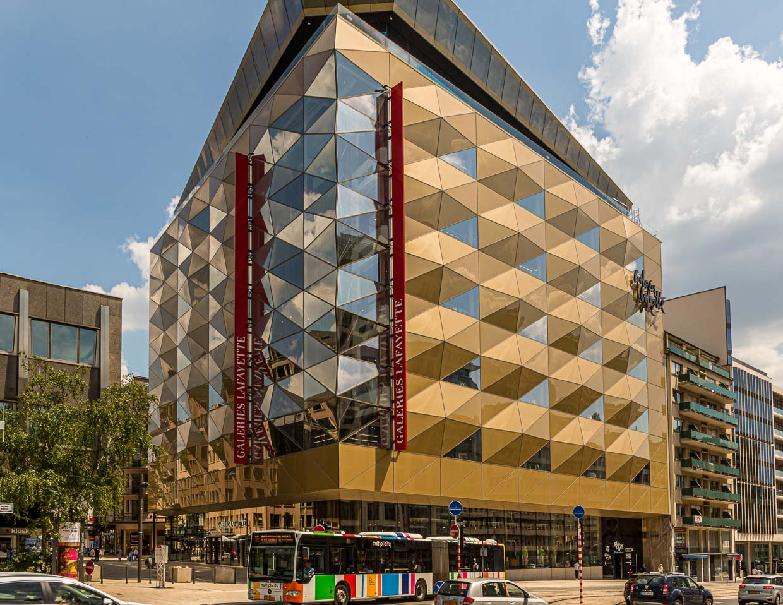 Ende 2019 wurde in Luxemburg die Galerie Lafayette nach den Plänen von Stararchitekt Norman Foster eröffnet / © FrontRowSociety.net, Foto: Georg Berg