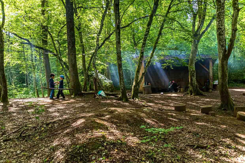Im Naturschutzgebiet Ellergronn gibt es entlang der Wanderwege auch Spielplätze für Kinder / © FrontRowSociety.net, Foto: Georg Berg